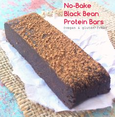 No-Bake Chocolate Black Bean Protein Bars (vegan+gluten-free) - Meet your new favorite homemade chocolate power bars! Low Calorie Protein Bars, Pure Protein Bars, No Bake Protein Bars, Protein Bar Recipes, Protein Powder Recipes, High Protein Snacks, Protein Foods, Protein Muffins, Protein Cookies