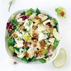 tovima.gr - Σαλάτα µε σταφύλια και καρύδια Yummy Mummy, Salad Bar, Salad Dressing, Pasta Salad, Potato Salad, Recipies, Food And Drink, Vegetarian, Cooking