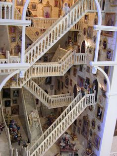 All The Small Things... Harry Potter Mini Castle! I want this! Wouldn't it be so cool if the Staircases were on hinges so you could move them?