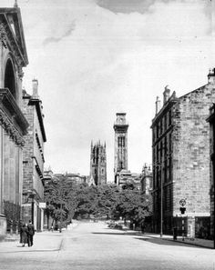 Looking north along Elderslie Street in In the distance are towers belonging to Trinity College (right) and Park Church (left). St George's Free Church can be seen in the foreground, left. Glasgow Scotland, Scotland Travel, Glasgow Architecture, Glasgow City, Wall Exterior, Old Building, Old Photos, Past, Scenery