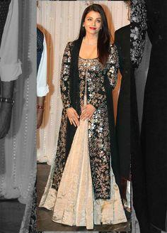 Aishwarya Rai Bachchan at Bipasha Basu, Karan Singh Grover's wedding reception. Party Wear Indian Dresses, Designer Party Wear Dresses, Indian Gowns Dresses, Indian Fashion Dresses, Indian Wedding Outfits, Bridal Outfits, Unique Dresses, Pakistani Dresses, Indian Outfits
