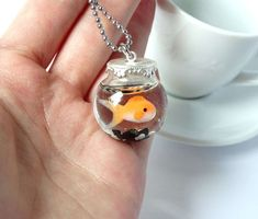 An adorable pet you can take everywhere and wont die! This goldfish is a must have for every pet/fish lover and will put a smile on every