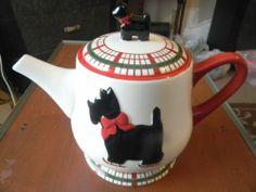 Global Design Kate Williams Tartan Plaid Skating Scottie Dog Footed Teapot