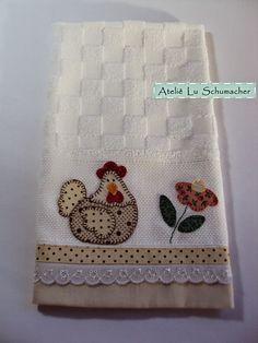 Ateliê Lu Schumacher: Pano de copa com patchcolagem - Galinha e flor