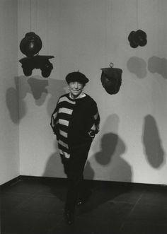 http://www.boumbang.com/barbara-klemm/ © Barbara Klemm, Louise Bourgeois, Germany, 1989
