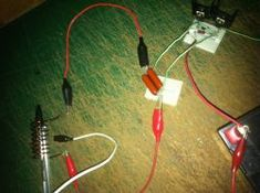 How to make a simple induction heater. This project is really simple, and surprisingly effective at heating metals using high frequency magnetic fields. Induction Forge, Induction Heating, Simple Diy, Easy Diy, Nimh Battery Charger, Electronic Kits, Steel Furniture, Nature Decor, Diys