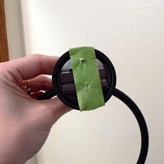 Taladra la pared sin equivocarte solo poniendo cinta adhesiva en el objeto