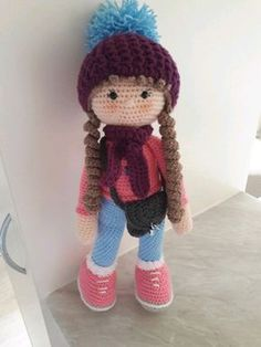 https://amigurumi.today/amigurumi-molly-doll-crochet-pattern/ Free pattern Saw and had to make ...easy , fun and great pattern Used Stylecraft DK throughout