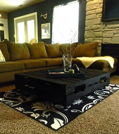 Chic Black Pallet Coffee Table: DIY Tutorial | 99 Palletshttp://www.99pallets.com/pallet-furniture/chic-black-pallet-coffee-table-diy-tutorial/