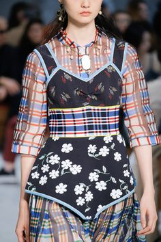Marni Spring 2018 Ready-to-Wear Accessories Photos - Vogue