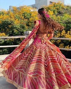 (C) kriishnashah | (C) Rimpleandharpreet | (C) Makeupbyaanchal | (C) Ritikahairstylist | Bridal twirl | Bridal lehenga | Red lehenga | Wedding Photography | Bridal hairstyle #bridaltwirl #bridallehenga #bridaljewellery #lehenga #bridaloutfitideas #redlehenga #trending #hairstyle #bridalhairstyle #curls #crimson Red Wedding Lehenga, Bridal Lehenga, Red Lehenga, Saree, Punjabi Hairstyles, Braided Hairstyles, Sangeet Outfit, Beautiful Women Videos, Diy Braids