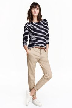 Chinos in washed stretch cotton fabric. Side pockets, welt back pockets with button, and slim, tapered legs. Work Casual, Casual Chic, Casual Looks, Comfy Casual, Casual Outfits, Summer Outfits, Cute Outfits, Fashion Outfits, Casual Wear