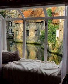 I want a house with a window seat to sit and read and enjoy the beautiful view. Future House, Beautiful Homes, Beautiful Places, Window View, Window Seats, Through The Window, House Goals, My Dream Home, Windows And Doors