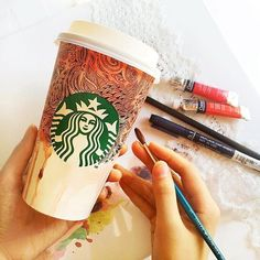 First life as a drink, second as a canvas. ☕️ #ReduceReuseRecycle #CupArt #Regram: @Florencia.Selvi
