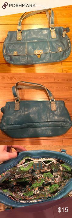 Hilfiger purse I'm great condition. Used only once. Medium sized shoulder bag. Tommy Hilfiger Bags Shoulder Bags
