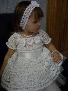 White Princesa free #crochet #graph pattern #dress #baby