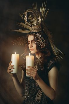 girl and photography image Madonna, Photographic Makeup, La Madone, Our Lady Of Sorrows, Season Of The Witch, Creative Portraits, Mother Mary, Divine Feminine, Fantasy