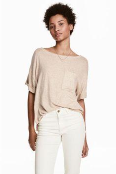 Wide T-shirt with chest pocket - Light beige marl - Ladies | H&M GB 1