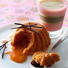 Coulants au caramel Femme actuelle http://www.cuisineactuelle.fr/recettes-de-cuisine/recettes-thematiques/recette-raffinee/coulants-caramel-et-creme-anglaise