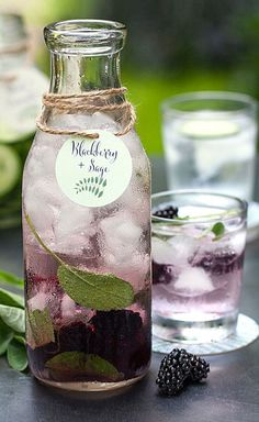 Healthy Fruit Infused Water Recipe // Blackberry Sage