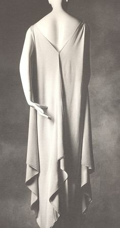 Looking back! Master of the bias dress... Vionnet.