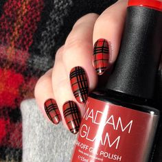 This post contains a few of the best gingham nail designs. These designs are super cute, eye-grabbing, and most importantly easy to replicate. Great Nails, Cute Nails, Nail Patterns, Pattern Nails, Cute Almond Nails, Sharp Nails, Plaid Nails, Short Square Nails, Coffin Nails Long