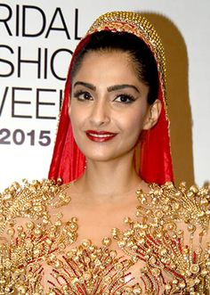 Team #Utopeen wishes a very happy birthday to the #fashion icon of Indian film Industry. #SonamKapoor . Keep trending.  #Birthday #Bollywood #Actress