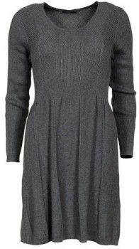 Nydelig & myk kjole med flatterende passform. Kjolen er av mykt solid & komfortabelt bomulls materiale med stretch.