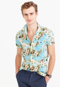 The perfect villa bartender shirt, make a few for your friends in this super serious shirt. (J. Crew S/S 2017)