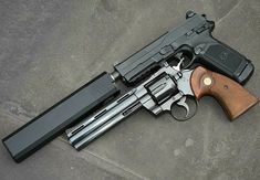Airsoft Guns, Weapons Guns, Guns And Ammo, Team Fortress 3, Colt Python, 357 Magnum, 9mm Pistol, Survival Weapons, Cool Knives