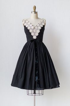 vintage 1950s party dress with floral appliques and velvet bow ...perf!