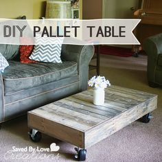 How to make a {DIY} pallet wood coffee table {on wheels!}