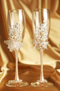 Personalized wedding flutes Wedding champagne by WeddingArtGallery
