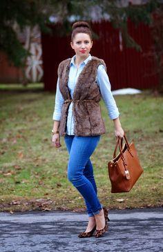 Happy Medley: Furry vest, leopard pumps and denim + denim, winter casual