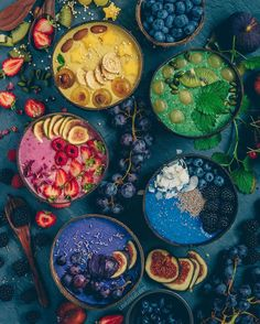 """letscookvegan: """" Which smoothie bowl would you choose? Rainbow bowls by Recipe Base (for each): oats, 2 Tbs coconut yogurt, 1 frozen banana + ½ mango + ½ tsp turmeric + pepper + ½ boiled beetroot + 2 Tbs beetroot juice +. Healthy Smoothies, Healthy Snacks, Smoothie Detox, Healthy Eating, Fruit Snacks, Cute Food, Yummy Food, Delicious Fruit, Açai Bowl"""