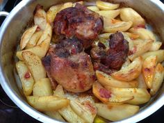 xoirino gyros4 Sausage, Meat, Vegetables, Food, Red Peppers, Sausages, Essen, Vegetable Recipes, Meals