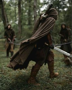 Medieval ranger coat - linen-Mittelalterliche Ranger Mantel – Leinen Hey, I found this great Etsy article at - Fantasy Inspiration, Story Inspiration, Writing Inspiration, Character Inspiration, Dnd Characters, Fantasy Characters, Narnia, Larp, Fantasy World