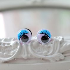googly eyes plugs 6mm 2g stretched ears gauges stretched lobes kitsch fun funny blue