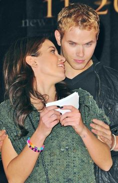 Nikki Reed and Kellan Lutz promoting New Moon, 2009 - Created with BeFunky Photo Editor Twilight Stars, Twilight Cast, Scorpio Horoscope, Leo Zodiac, Pisces, Marriage Movies, Taurus Love Compatibility, Rosalie Hale, Twilight Saga Series