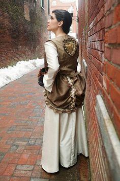 Renaissance wedding dress with vest and bustle  #gothic #alternativewedding #bridal #weddings #neovictorian #steampunk #steampunkwedding