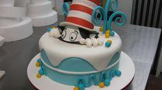 Cat in the Hat Cake (8)