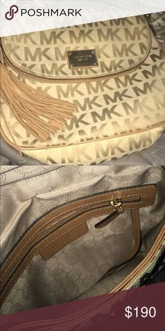 Mk purse Only been used twice & in good condition Michael Kors Bags Crossbody Bags