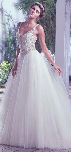 Robe de mariée princesse DEMETRIOS et bijoux Swarovski doccasion ...
