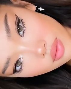 Edgy Makeup, Eye Makeup Art, No Eyeliner Makeup, Skin Makeup, Makeup Style, Eyeline Makeup, Makeup Wings, Color Eyeliner, Cute Eye Makeup