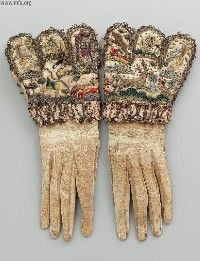 Early century, England - Pair of gloves - Leather embroidered with silk yarns and gilt-silver spangles, metal trim 20th Century Fashion, 17th Century, Historical Costume, Historical Clothing, Mitten Gloves, Mittens, Vintage Outfits, Vintage Fashion, Vintage Clothing