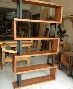 Hardwood and metal bookcase Unique wood & iron # . Hardwood and metal bookcase Unique wood & iron Easy Woodworking Projects, Diy Wood Projects, Furniture Projects, Diy Furniture, Furniture Design, Woodworking Tools, Unique Wood Furniture, Woodworking Machinery, Popular Woodworking