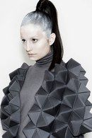 Geometric Fashion with faceted structure - shape & volume; wearable art // Rachel Poulter - Tiled surface of mosque Origami Fashion, 3d Fashion, Fashion Details, Fashion Design, Fast Fashion, Structured Fashion, Avantgarde, 3d Mode, Conceptual Fashion