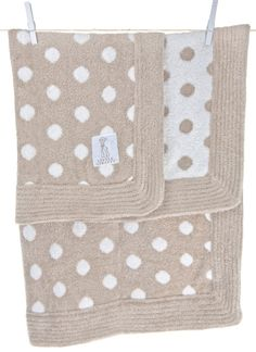 Give the gift of softness with Little Giraffe's Dolce Dot Blanket. Love! #giftguide #gift #babygift