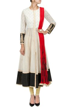 Off white and black kalidaar jacket with red dupatta and leggings BY VASAVI SHAH. Shop now at perniaspopupshop.com #perniaspopupshop #clothes #womensfashion #love #indiandesigner #vasavishah #happyshopping #sexy #chic #fabulous #PerniasPopUpShop #ethnic #fun