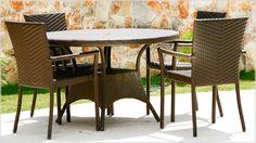 Os móveis em fibra criam um cenário harmonioso e com toques naturais na decoração.